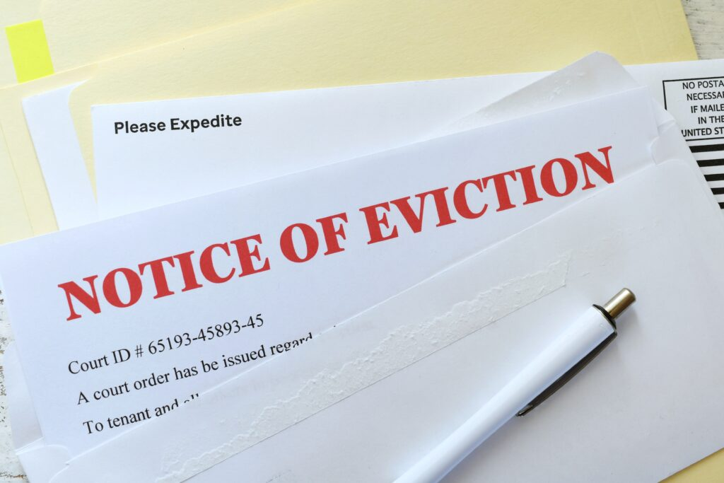 notice-of-eviction-in-red-in-an-envelope-that-came-6JY58B9